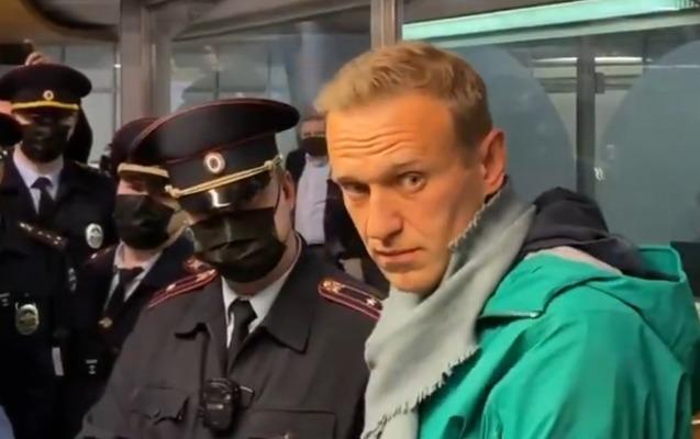 Navalnı Moskvada saxlanıldı - Video