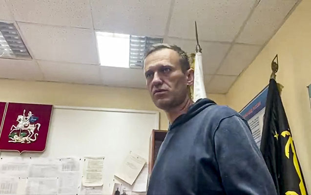 Navalnının qardaşı da həbs edildi