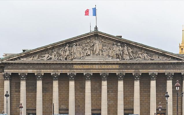 Fransada müsəlmanlara qarşı yeni məhdudiyyətlər