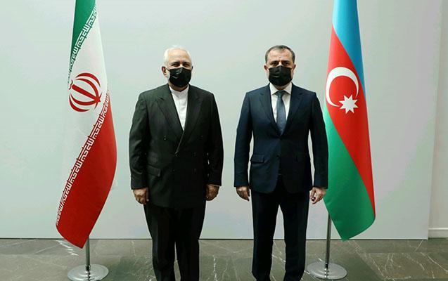 Ceyhun Bayramov iranlı həmkarı ilə görüşdü