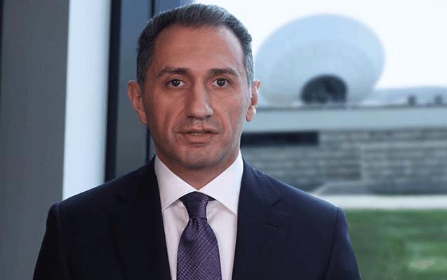 Prezidentin köməkçisi yeni naziri kollektivə təqdim etdi
