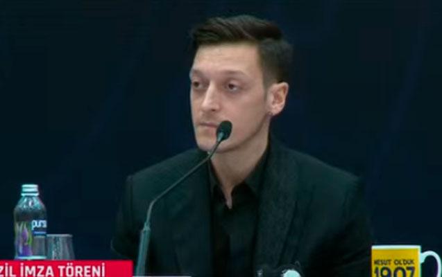 Özil Azərbaycandan danışdı