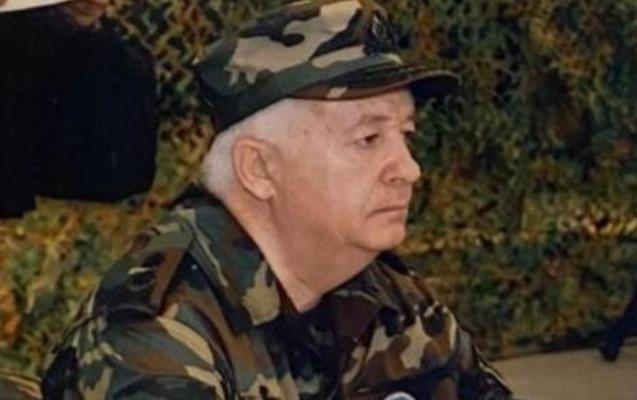General-leytenant Etibar Mirzəyev istehkamçı-mütəxəssislərə sertifikatlar təqdim edib