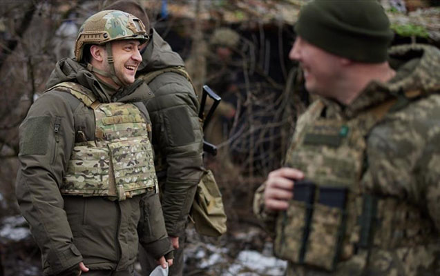 Zelenski Donbasdakı cəbhə bölgəsini ziyarət etdi