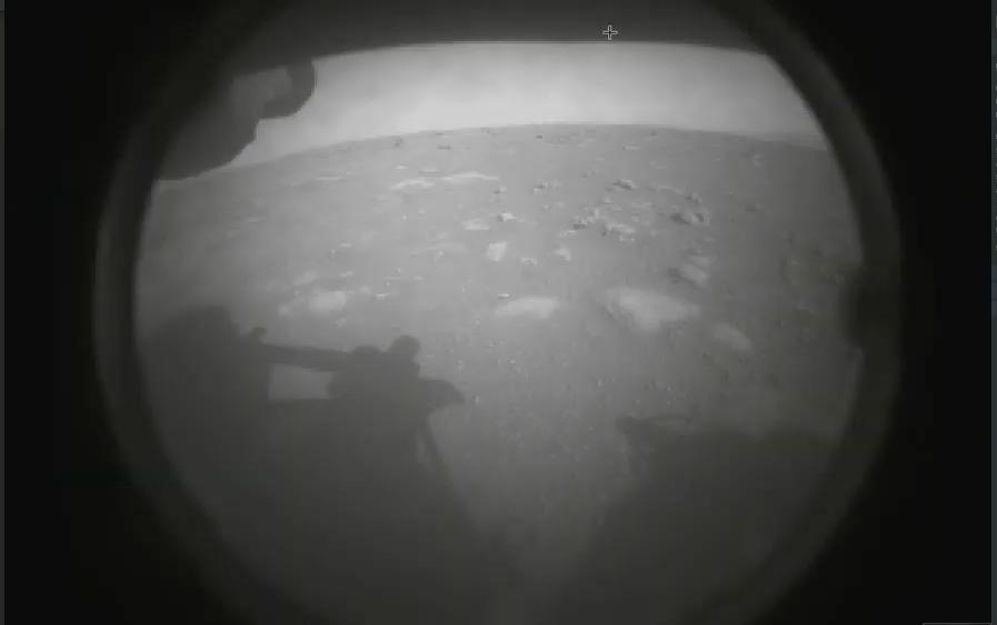 NASA Marsdan ilk yüksək dəqiqlikli görüntü paylaşdı