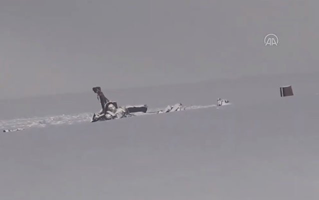 Türkiyədə qəzaya düşən helikopterin dağıntılarından ilk görüntü