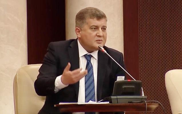 Erkin Qədirli AŞPA-da Navalnını dəstəkləyib