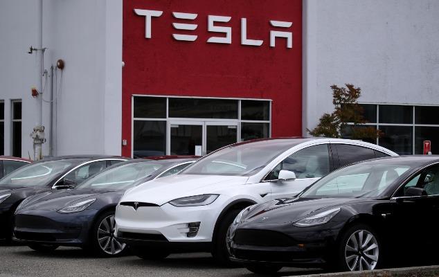 """""""Bitcoin""""lə """"Tesla"""" avtomobilləri almaq mümkün olacaq"""
