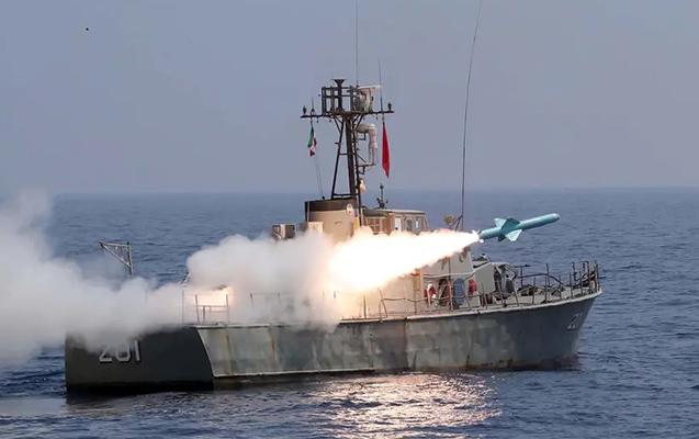 İran İsrail gəmisini raketlə vurdu
