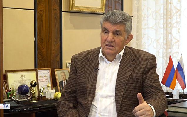 Moskvadakı erməni milyarder Paşinyana rəqib olacaq