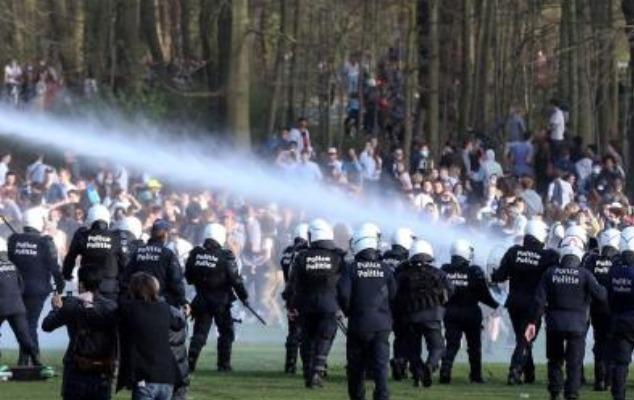 Belçikada baş tutmayan 1 aprel zarafatı - 100-ə yaxın şəxs saxlanıldı