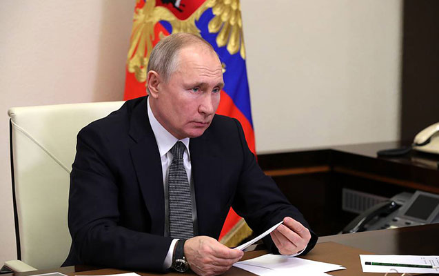 Putin müsəlmanları təbrik etdi