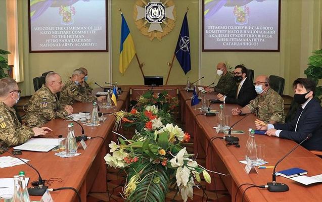 NATO Hərbi Komitəsinin sədri Ukraynaya getdi