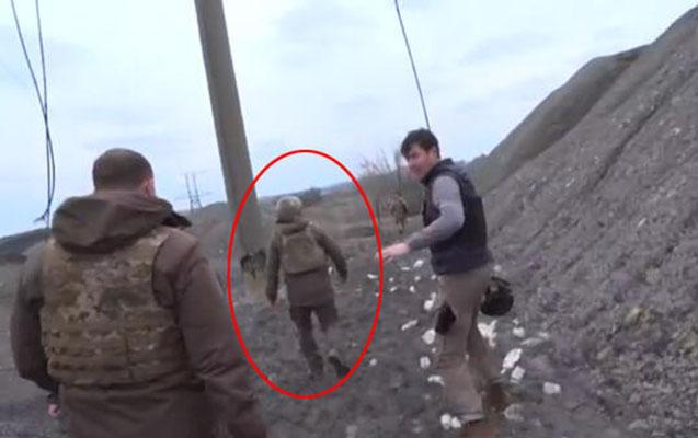 Zelenski cəbhədə çətin anlar yaşadı - Video