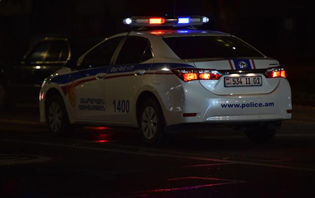 Ermənistanda sərxoş sürücü 6 hərbçini vurdu