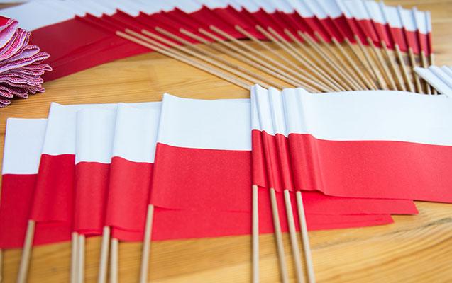 Polşa və Rusiya diplomatlarını deportasiya etdilər