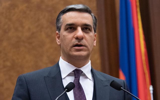 Ermənistanda hakim dairələr ona qarşı birləşdi, istefası gözlənilir