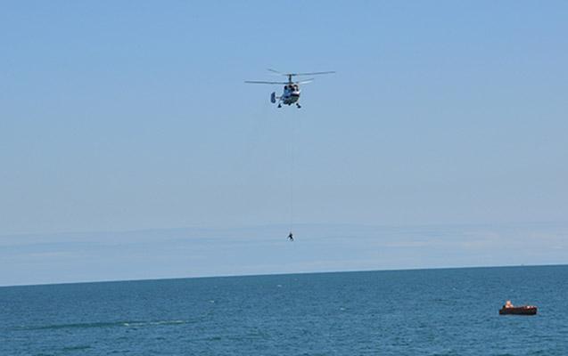 İspaniyada helikopter dənizə düşdü