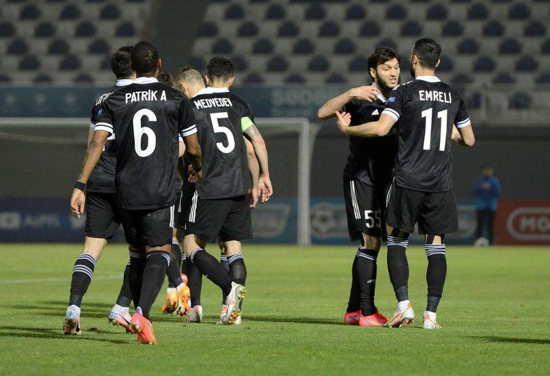 """""""Qarabağ""""dan darmadağın"""