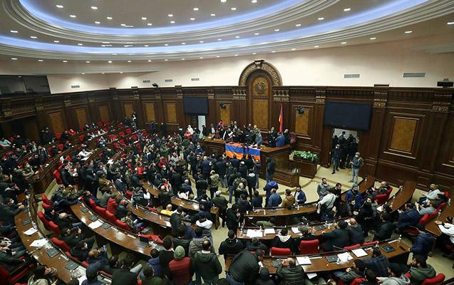 Ermənistan parlamenti ikinci dəfə Paşinyanın namizədliyini qəbul etmədi