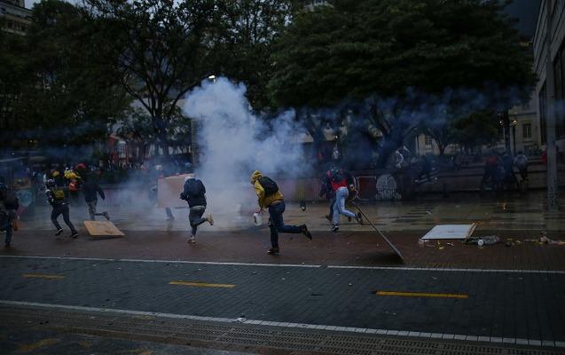 Kolumbiyada etirazlarda 40-dan çox insan həlak olub