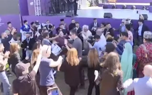 """""""Xarıbülbül"""" festivalında səhnə arxasında maraqlı anlar"""