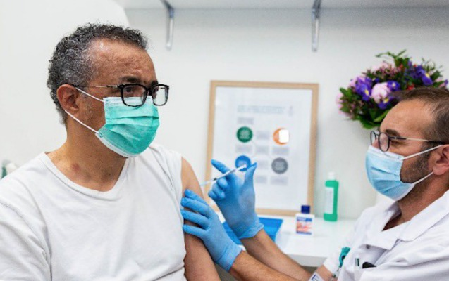 ÜST rəhbəri koronavirusa qarşı peyvənd olundu