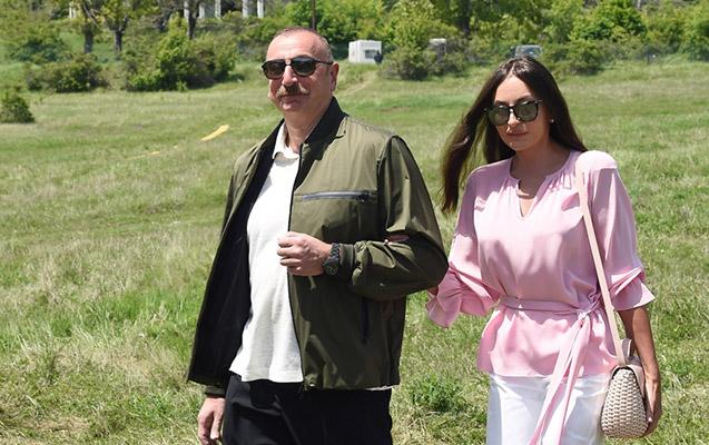 """Prezident və ailəsi """"Xarıbülbül"""" musiqi festivalının ikinci günündə"""