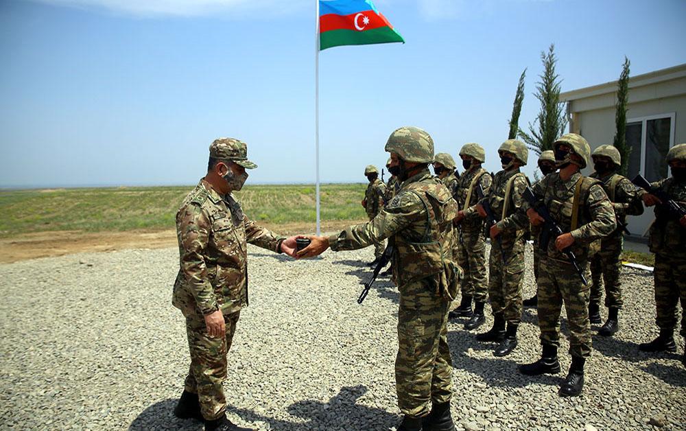 Müdafiə naziri yeni hərbi hissələrin açılışında