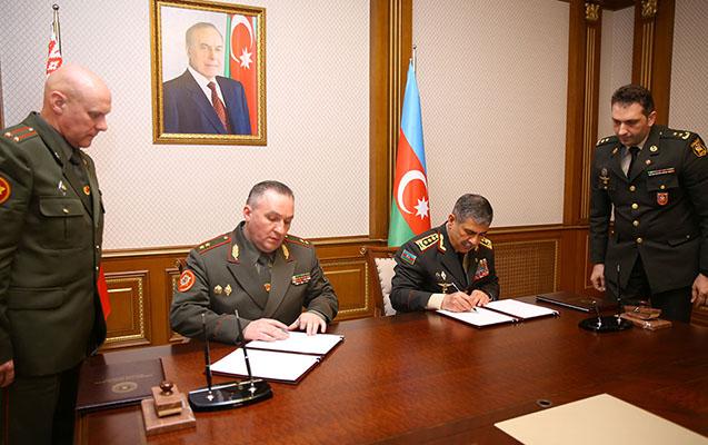 Azərbaycan və Belarus müdafiə sahəsində sənəd imzaladı
