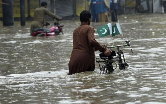 Pakistanda leysan yağışlar azı 10 nəfərin həyatına son qoydu