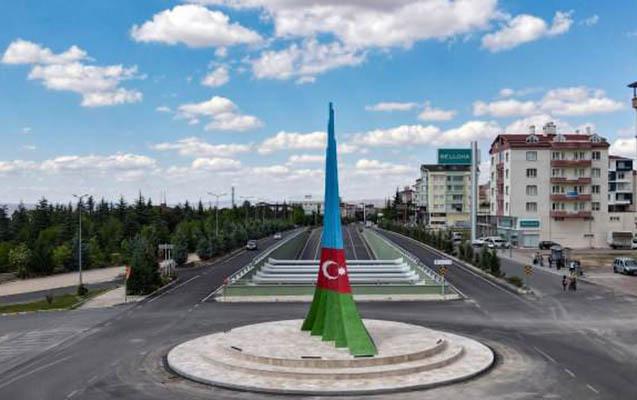Azərbaycan-Türkiyə Qardaşlıq Abidəsi ucaldıldı