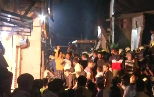 Mumbayda bina uçdu - 11 ölü, 7 yaralı