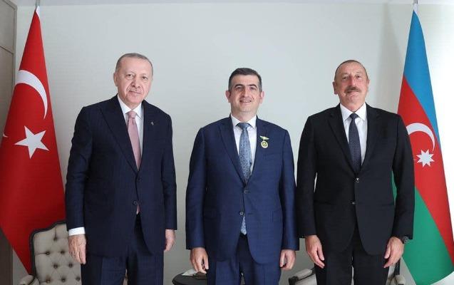 """""""Qarabağ"""" ordeni ilə təltif edilən Haluk Bayraktardan"""