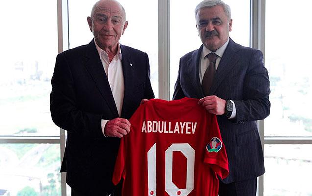 Rövnəq Abdullayev TFF prezidenti ilə görüşdü