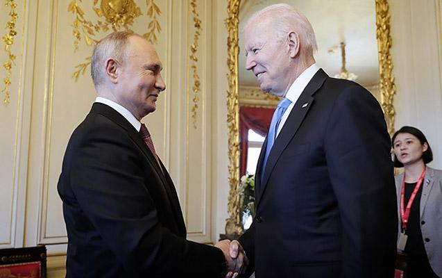 Bayden Putinə inandığını başını yelləyərək təsdiqlədi