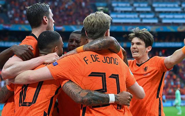 Niderland da 1/8 finala vəsiqəni təmin etdi