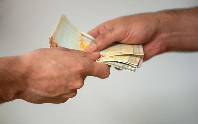 Ermənistanda seçkiqabağı rüşvət paylayan 5 nəfər saxlanıldı