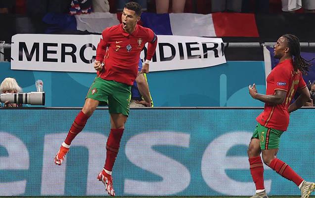 Ronaldo tarixi rekordu təkrarladı