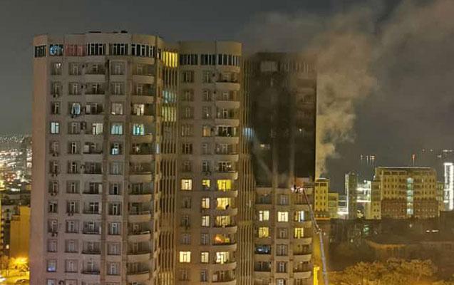 Bakıda daha bir binada güclü yanğın