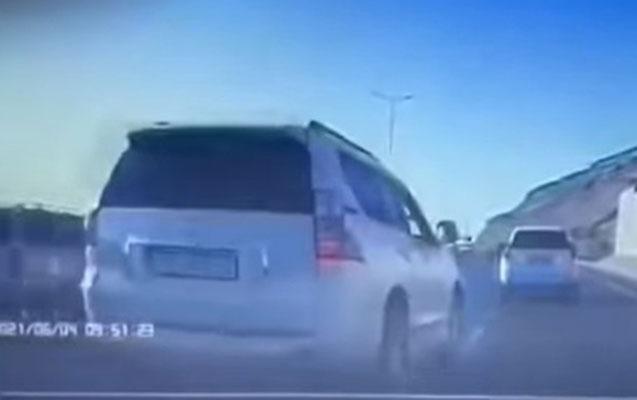Bakıda sürücünün qarşısını kəsmək istəyənlər saxlanıldı
