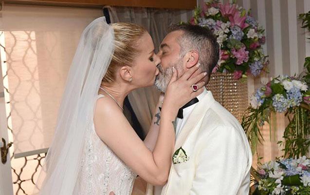 Tuğba iş adamı ilə evləndi