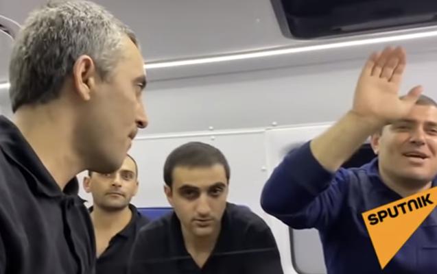 Azərbaycanın qarşı tərəfə təhvil verdiyi ermənilərin - Videosu