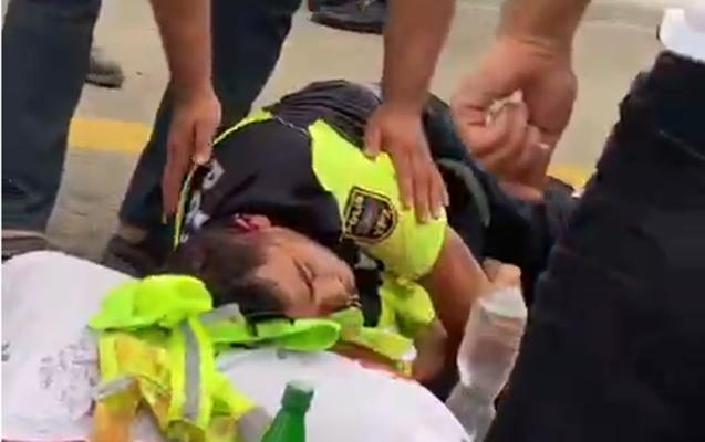 Yol polisi qəzada ağır yaralandı