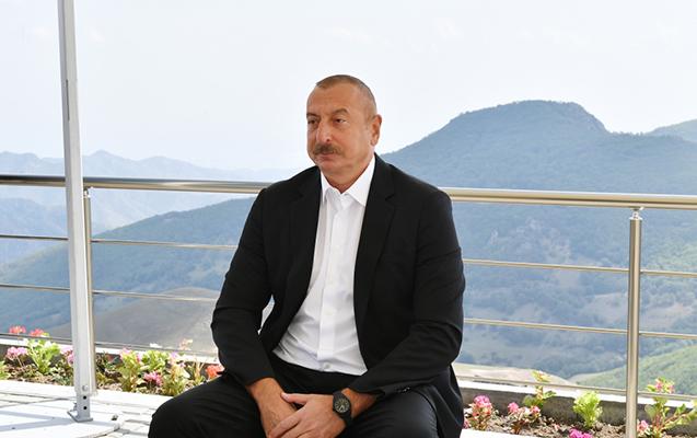 """""""Müharibədən ən çox əziyyət çəkən ölkə Azərbaycandır, amma pulu Ermənistana verirlər"""""""