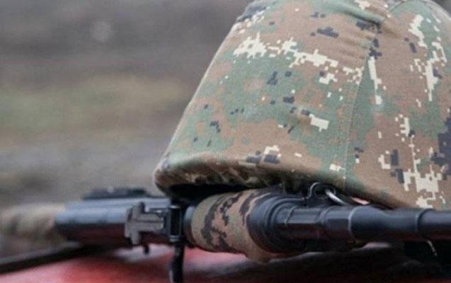 Ermənistan üç əsgərinin yaralandığını deyir