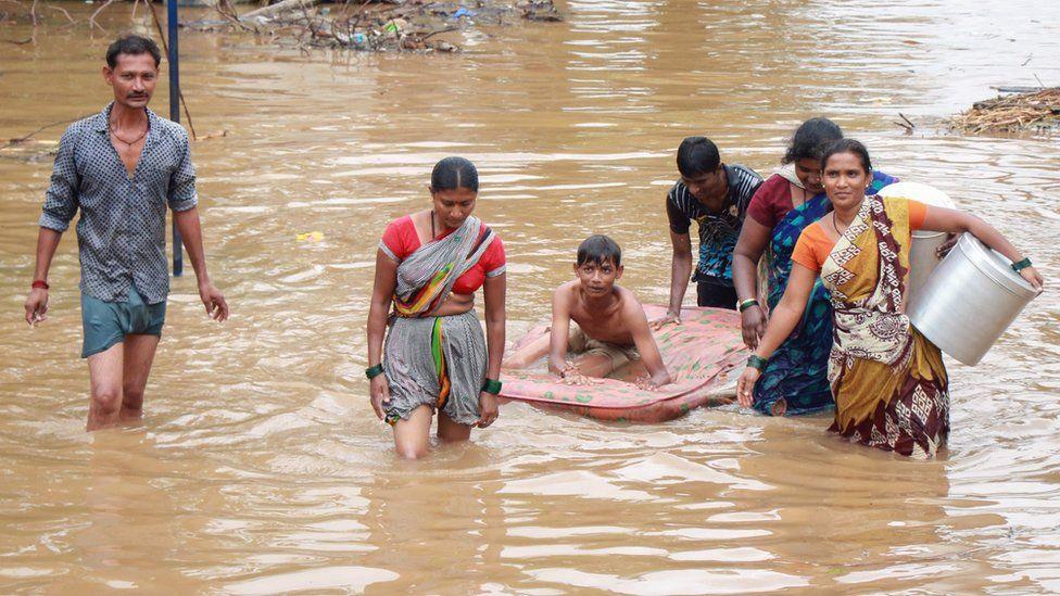 Hindistanda sürüşmə nəticəsində ölənlərin sayı artdı