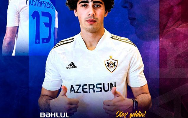 """""""Qarabağ"""" millimizin üzvünü transfer etdi"""