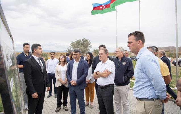 """Qubernator Zəngilanda """"Ağıllı kənd""""lə tanış oldu"""