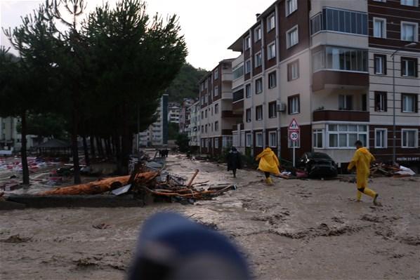 Türkiyədə dəhşətli sel görüntüləri - Fotolar + Video